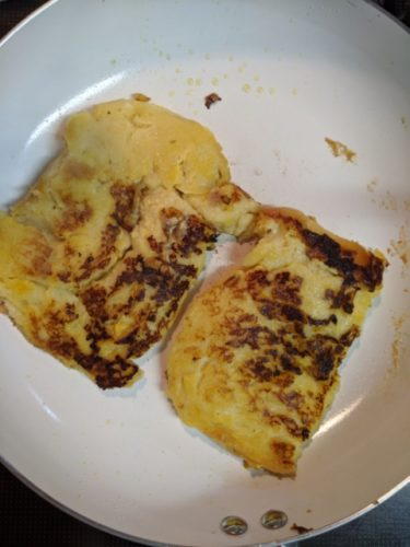 フライパンで作るフレンチトーストの作り方!牛乳なしでも簡単♪
