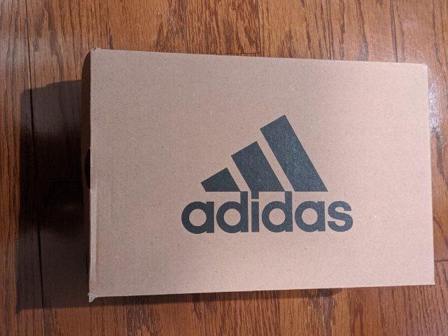 【アベイル】でアディダスの靴を買ってみた!価格や履き心地について